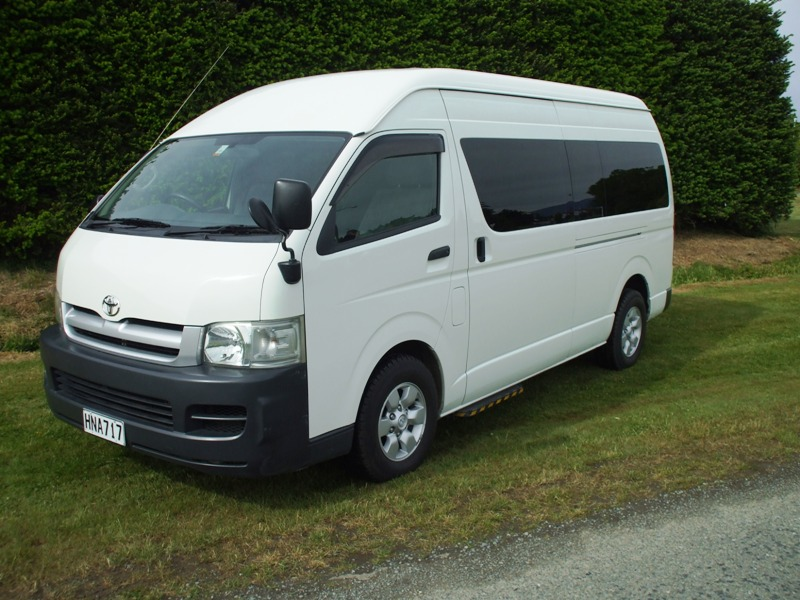 Car Rentals Unlimited Mileage 10 Passenger Van Rental likewise Pictures videos further Minivan For ...